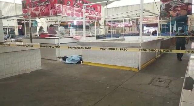 Muere abuelito en el Mercado La Purísima tras desvanecerse