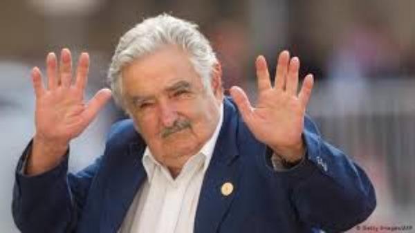 Expresidente de Uruguay José Mujica renuncia al Senado
