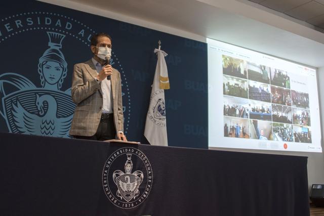Esparza toma protesta a nuevos integrantes de los Consejos de Unidad Académica de la BUAP