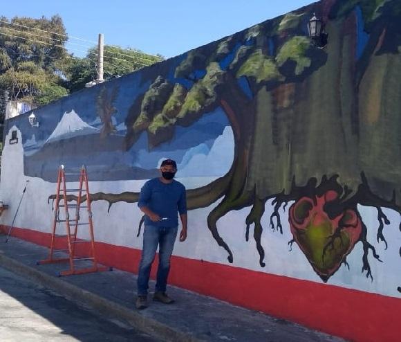 Elaboran nuevo mural en Atlixco en honor al Ahuehuete