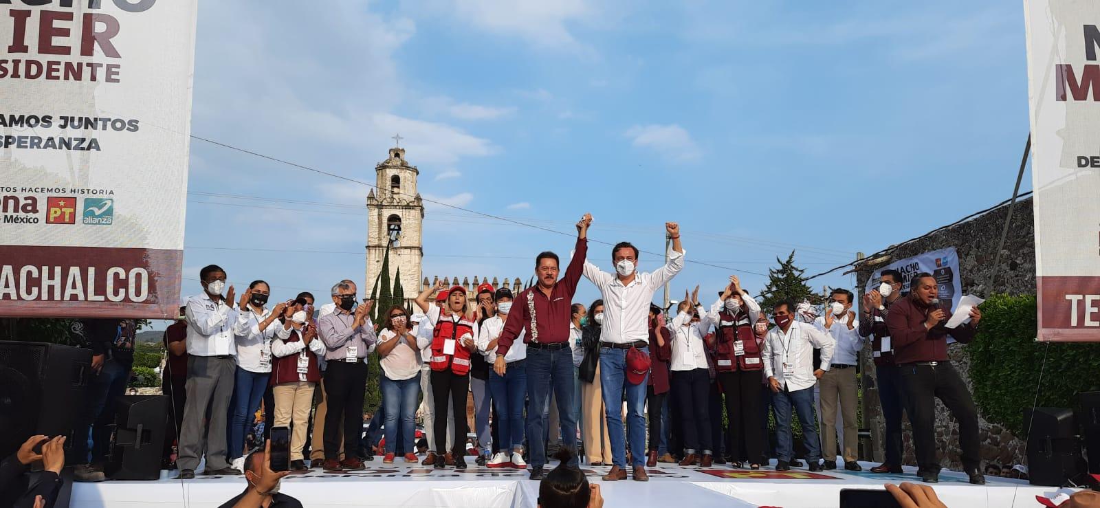 Sin pobladores y rodeado de políticos fuereños, asumirá Ignacio Mier en Tecamachalco