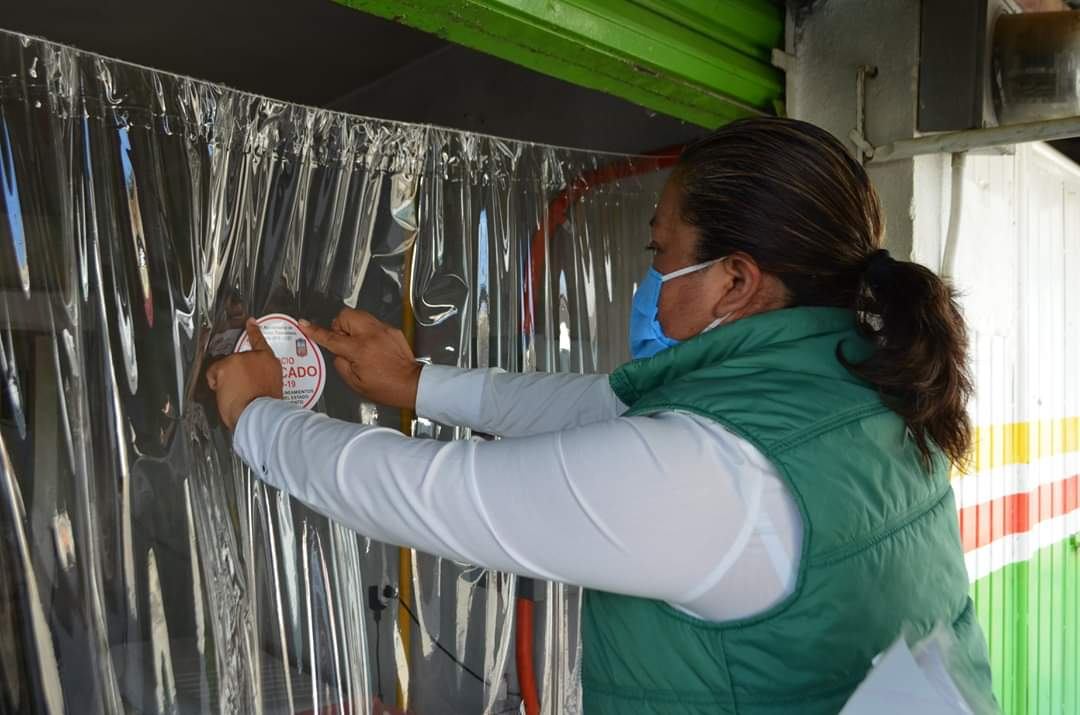 Supervisan que negocios cumplan con medidas sanitarias en Tlalancaleca