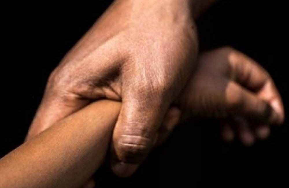 Comando levanta y viola a una joven de 14 años en Acatzingo