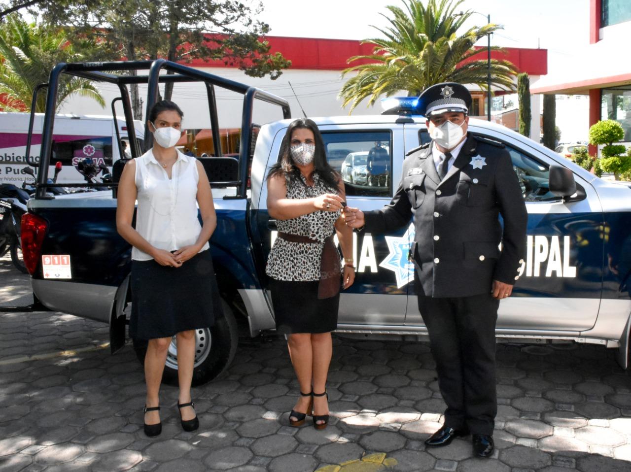 Entrega Layón patrulla y equipamiento para seguridad de Texmelucan