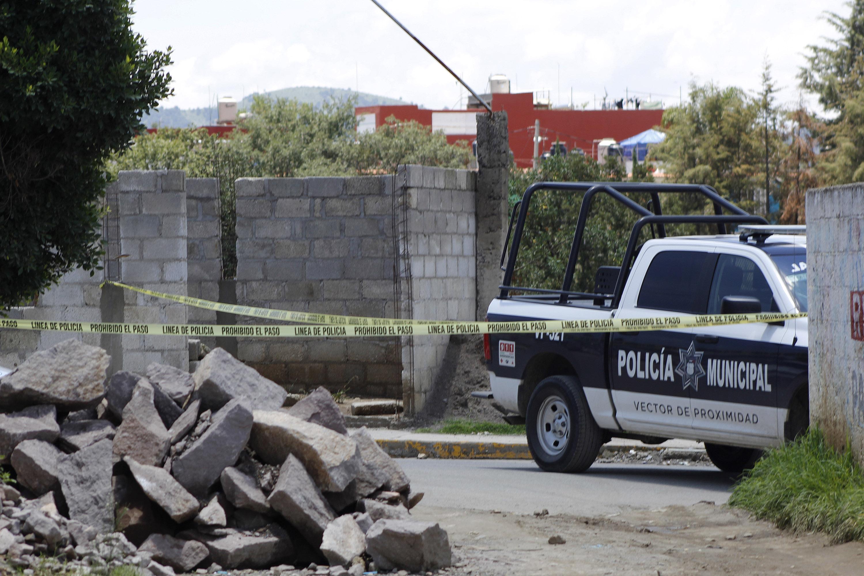 Hallan cuerpo destazado en Puebla; perros peleaban un brazo