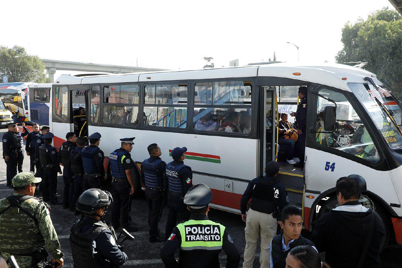 Realizan operativo de vigilancia en transporte público de Puebla
