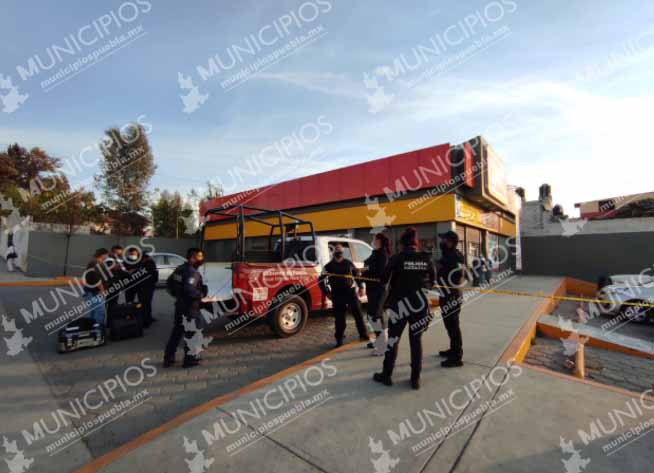 VIDEO En asalto a OXXO matan a guardia de seguridad al sur de Puebla capital