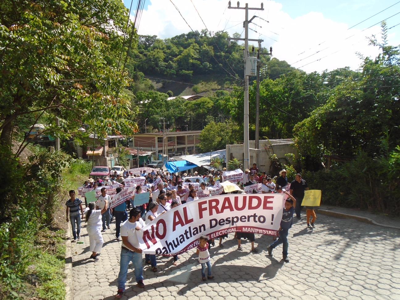 Marchan en Pahuatlán contra fraude electoral