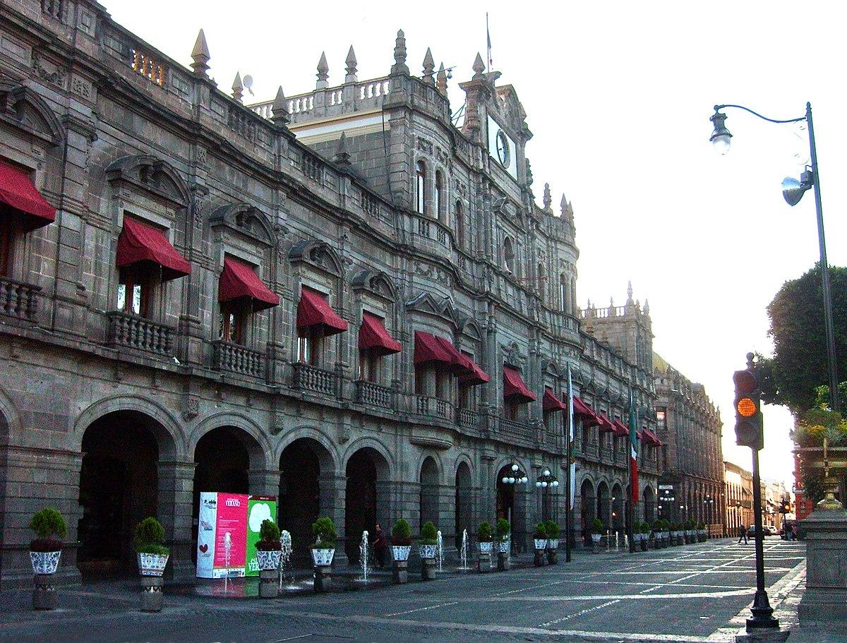 De última hora renuncian 4 funcionarios de primer nivel del ayuntamiento de Puebla