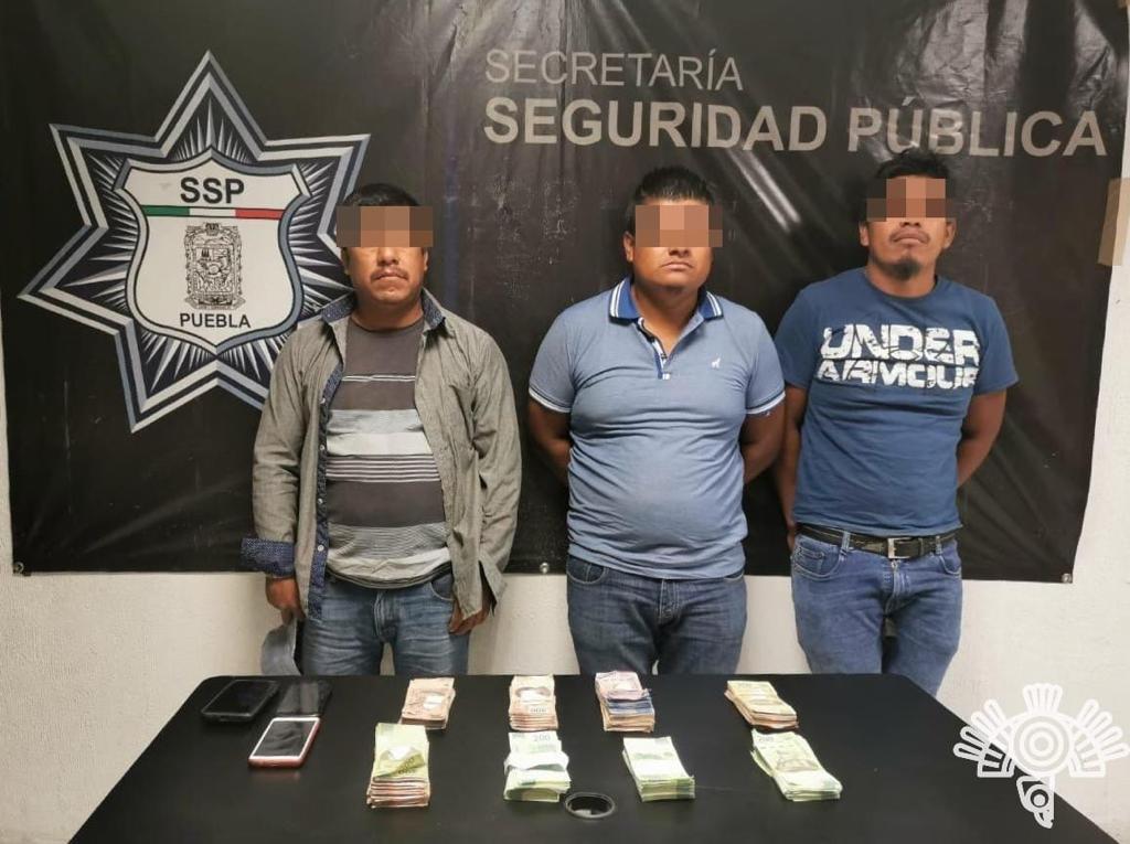 Los detienen con 330 mil pesos en efectivo en Palmar de Bravo
