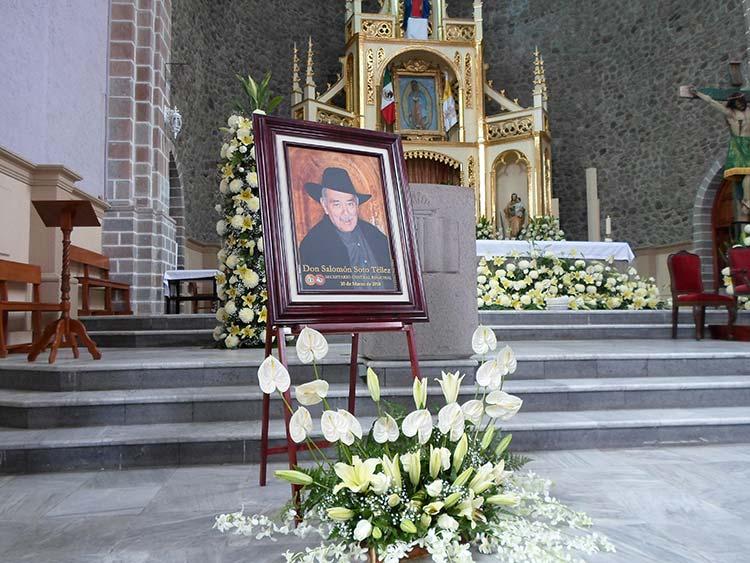 Paga CTM 15 mdp para bautizar panteón de Lara Grajales