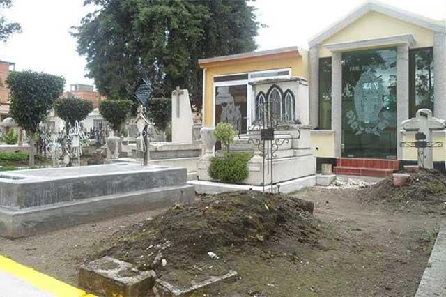 Por fin: reabren los panteones de Puebla en una semana