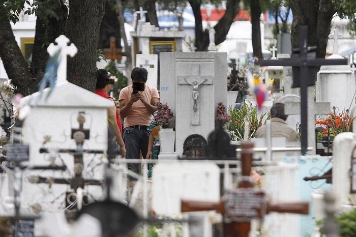 Exhuman a mujer que murió por Covid19 y enterraron clandestinamente en Izúcar
