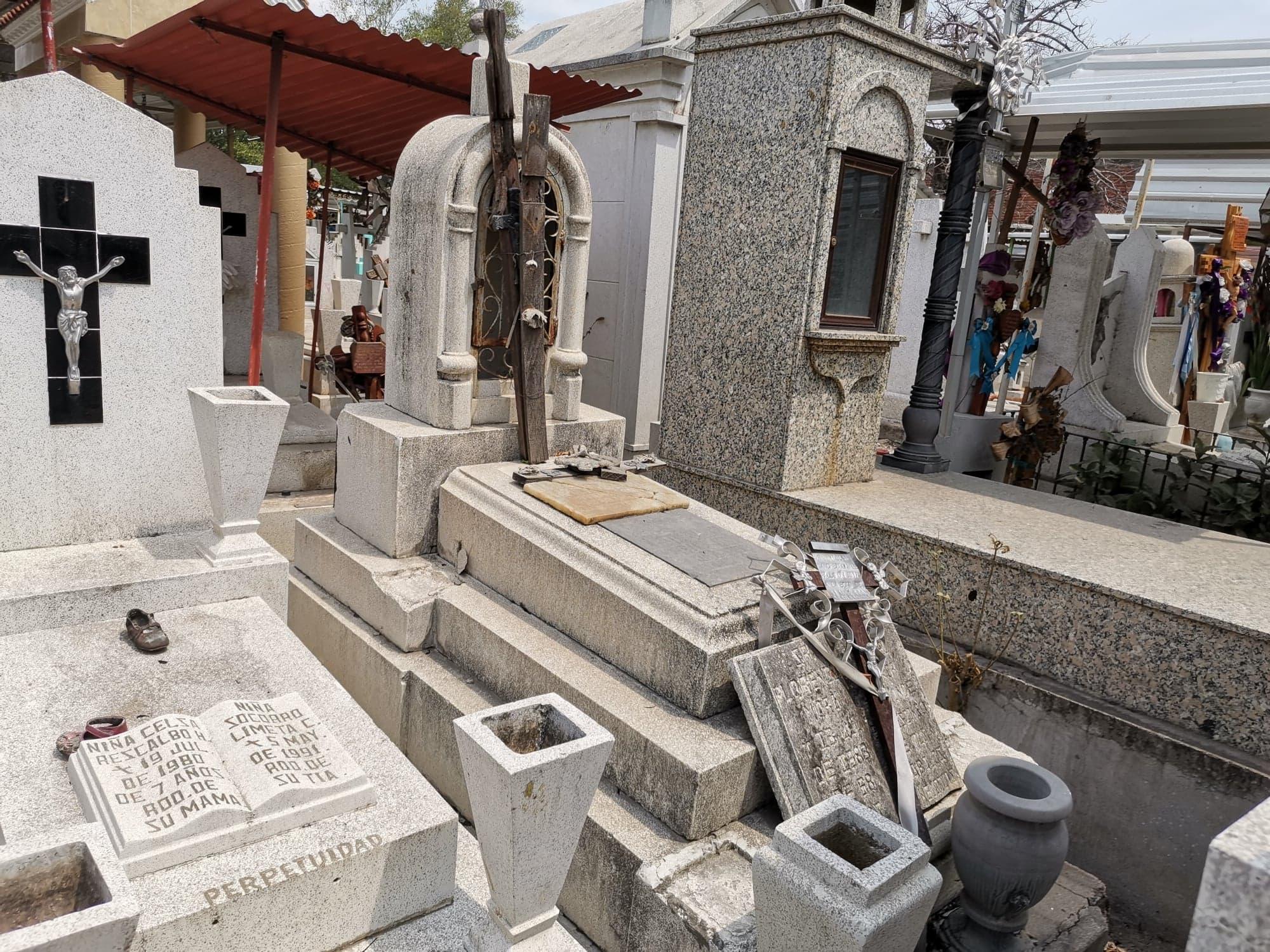 Desde hace 10 años, Panteón municipal de Izúcar no tiene espacio para entierros