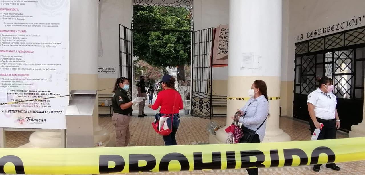 Panteones de Tehuacán lucen casi vacíos este 10 de mayo por pandemia
