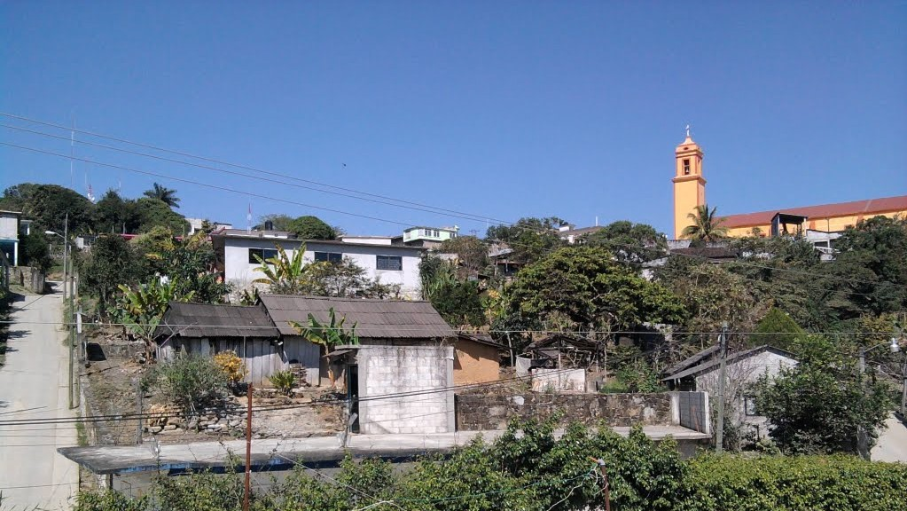 Desaparece familia tras cateo de presuntos ministeriales en Pantepec