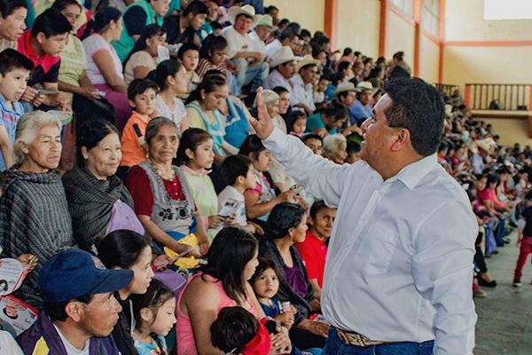 Candidato del PRI ofrece pagar por votos más que sus rivales