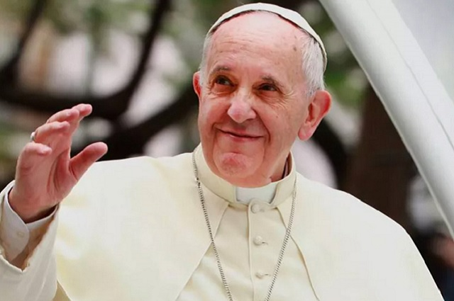 Homosexuales tienen derecho a una familia, asegura el Papa Francisco