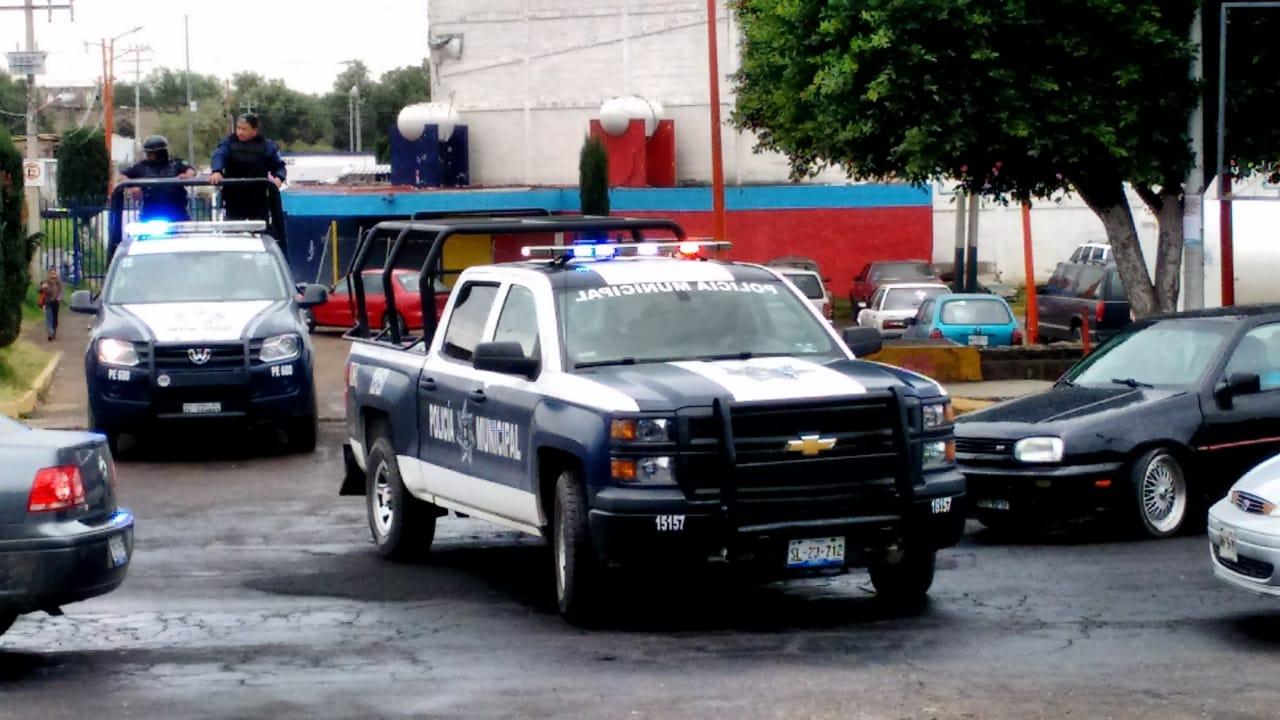Se salvan: Les roban camioneta pero los liberan en Texmelucan
