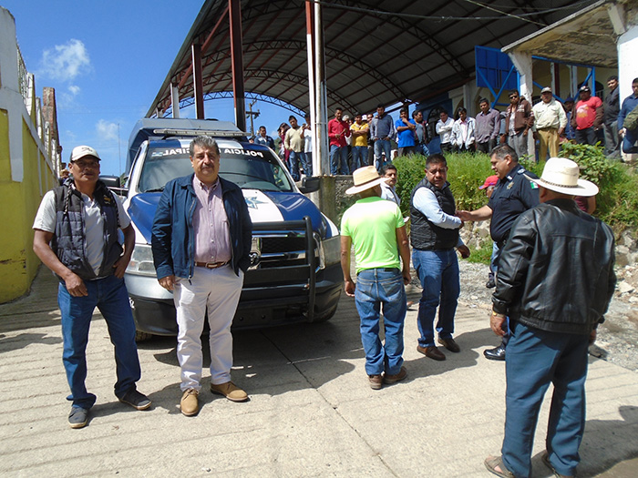 Destinan solo una patrulla para vigilar en Tlacomulco, Huauchinango