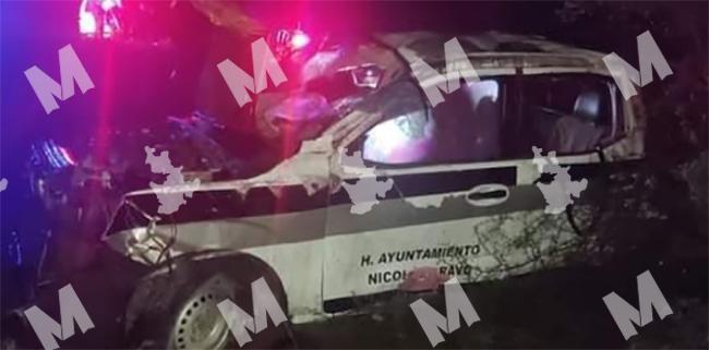 Policías ebrios de Nicolás Bravo se van con todo y patrulla a barranca en Cañada Morelos