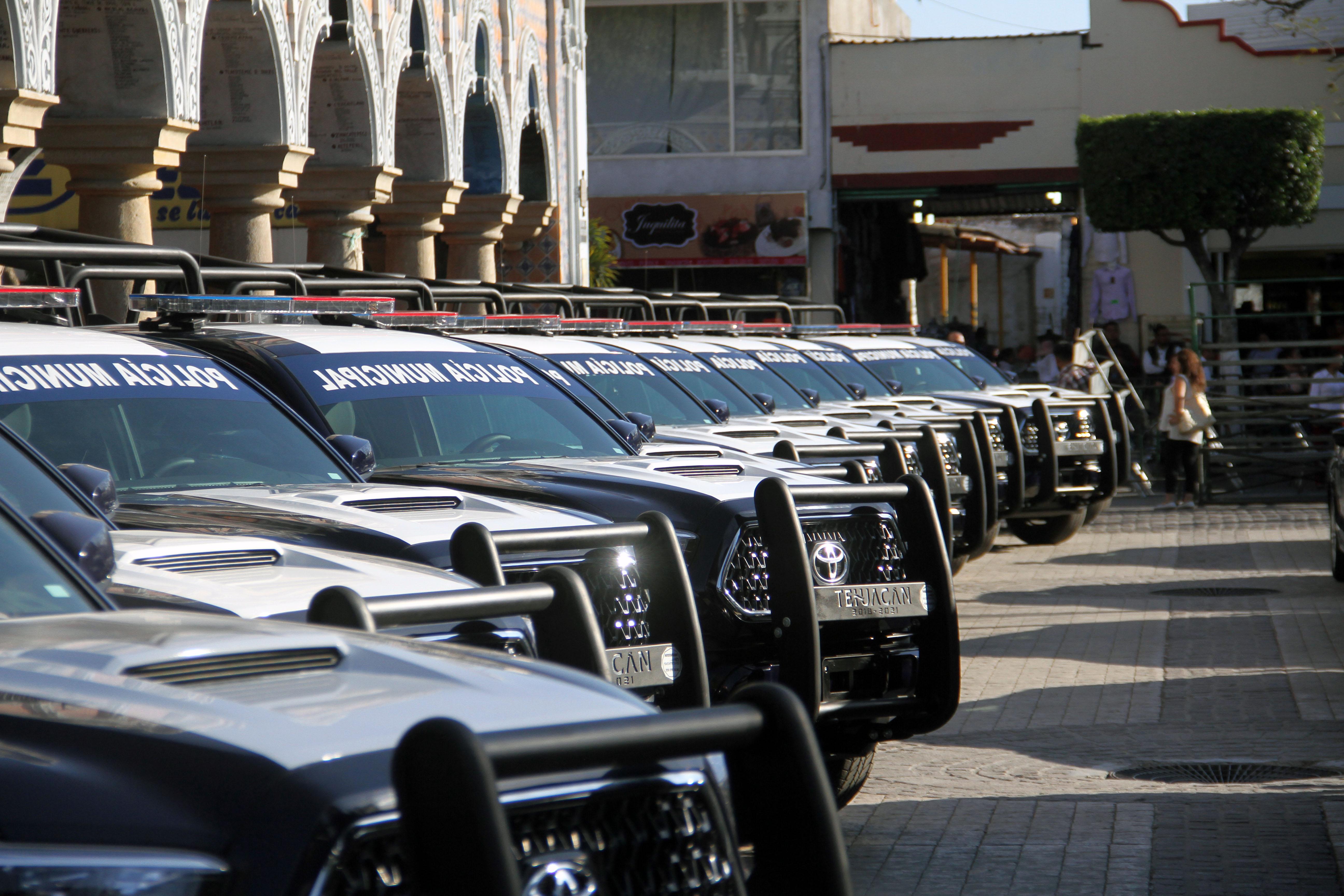 Entrega ayuntamiento de Tehuacán 40 patrullas a juntas auxiliares