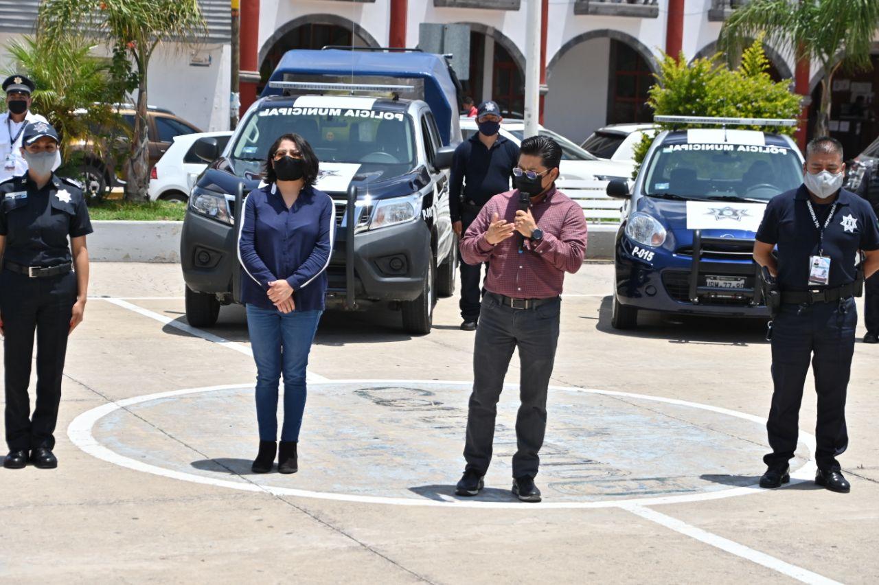 Edil de Coronango entregó 5 nuevas patrullas a Seguridad Pública