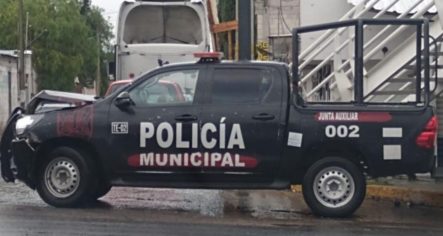 Patrulla que atendía llamado de emergencia choca en Tecamachalco