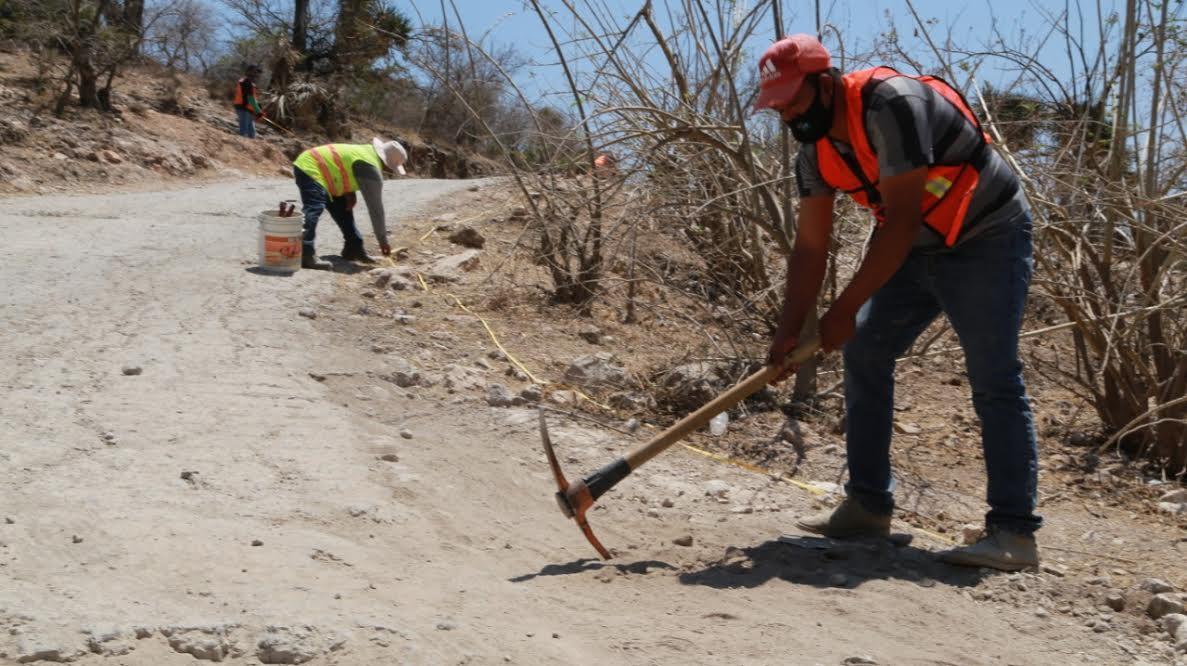 Arranca pavimentación en acceso principal a San Esteban Zoapiltepec
