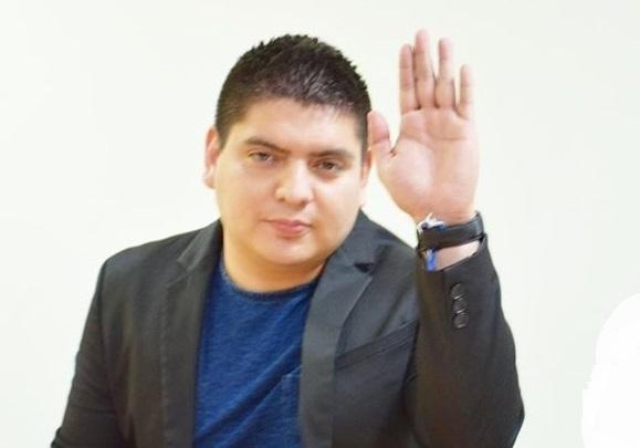 VIDEO Diputado dona salario y reta a políticos de Sinaloa a seguirlo