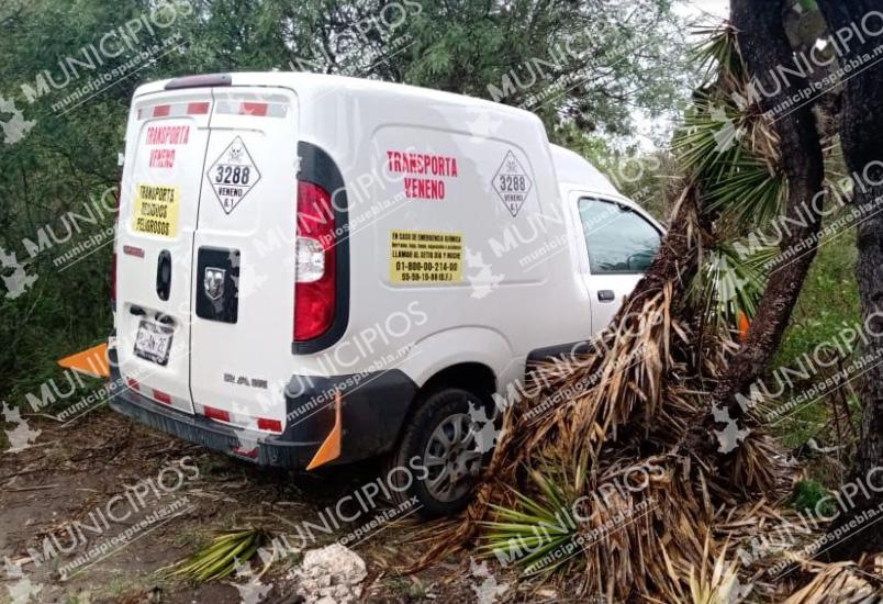 Policías de Tecamachalco recuperan vehículo con residuos peligrosos