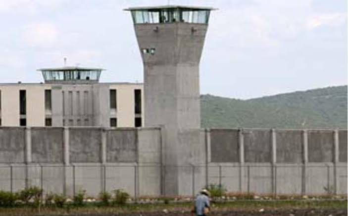 Hay 72 contagiados entre internos y custodios: Segob