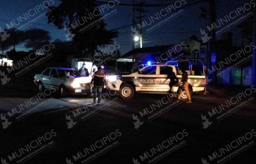 Patrulla de Tlahuapan impacta a vehículo particular