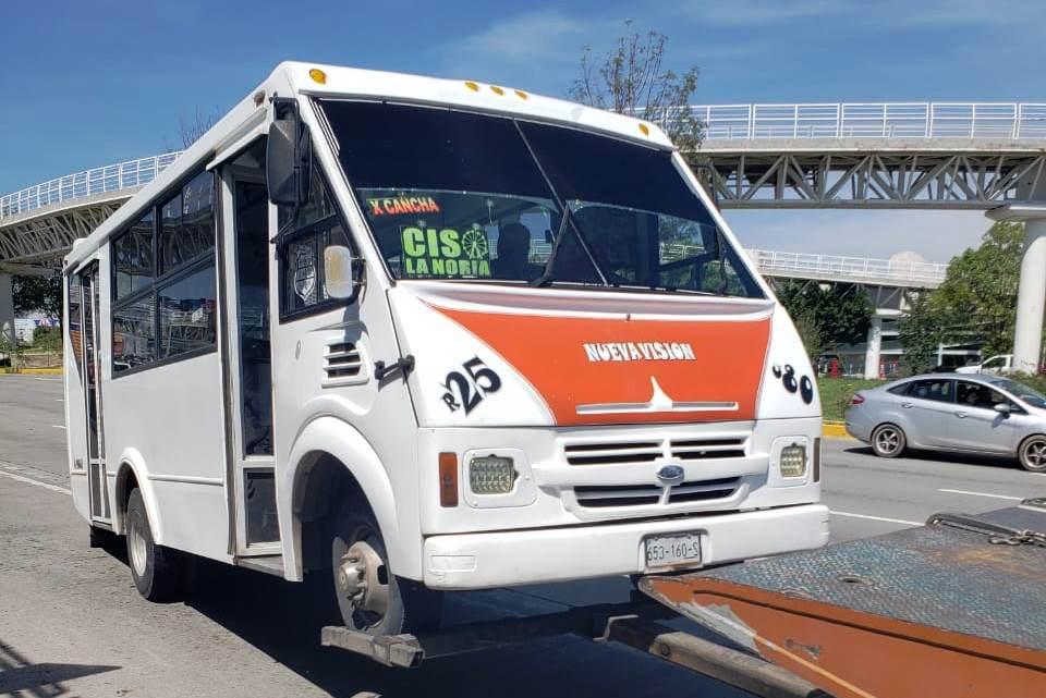 Detienen SMT y SSP a seis unidades pirata del transporte en Puebla capital