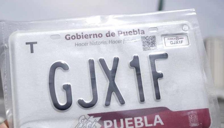 Aplazan reemplacamiento para el segundo semestre en Puebla