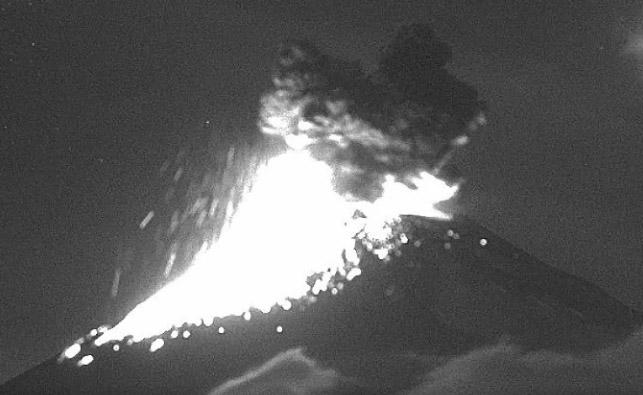VIDEO Registra Popocatépetl 9 explosiones en un día
