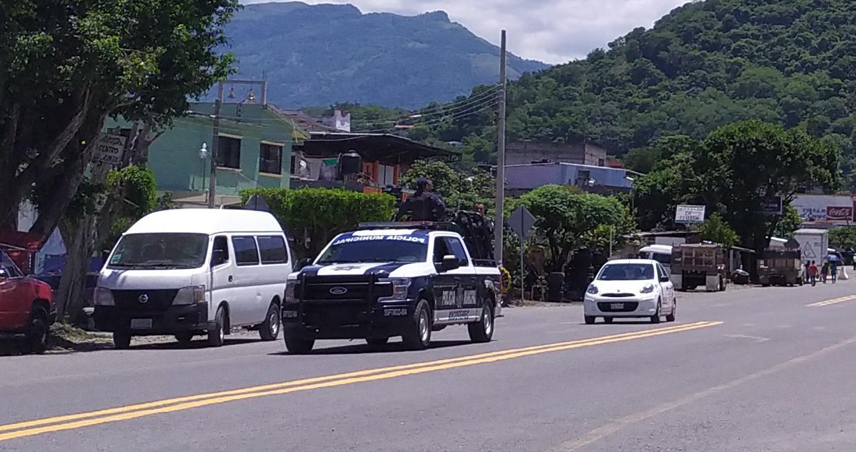 Investigan a policías por agresión a una pareja en Xicotepec