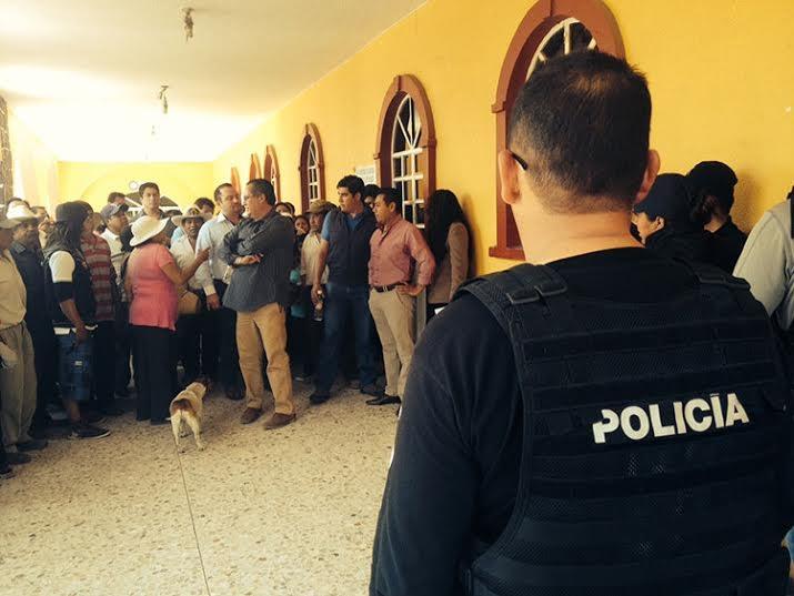 Despiden a más de la mitad de policías en Atzompa