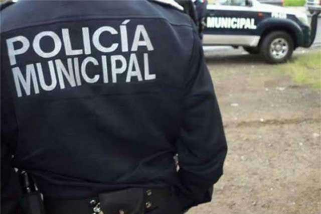 En Nuevo León policía cerrar empresas ante coronavirus