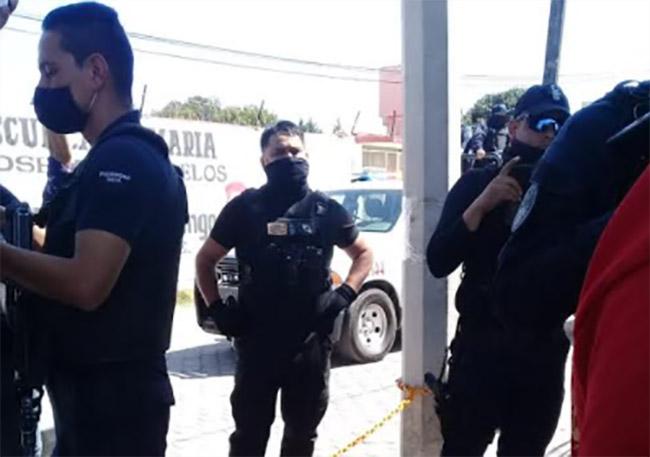 Edil auxiliar acusa agresiones de policías de Texmelucan