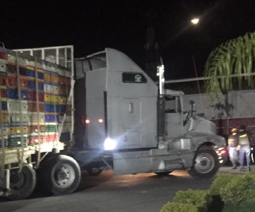 Tras persecución policías recuperan tractocamión en Tecamachalco