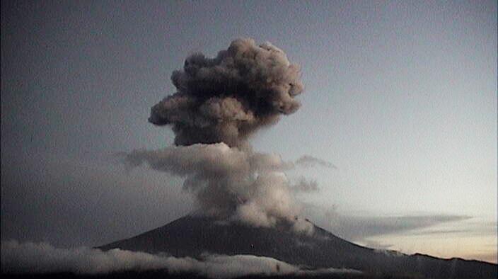 Popocatépetl registra 12 explosiones en 24 horas