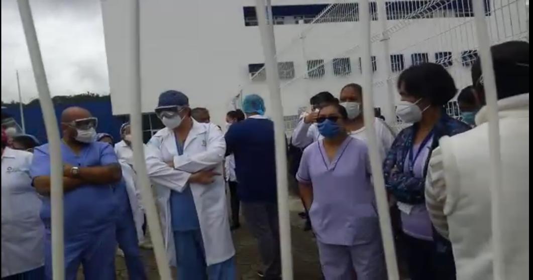Protestan trabajadores del Hospital de la Mujer ante irregularidades de directivos