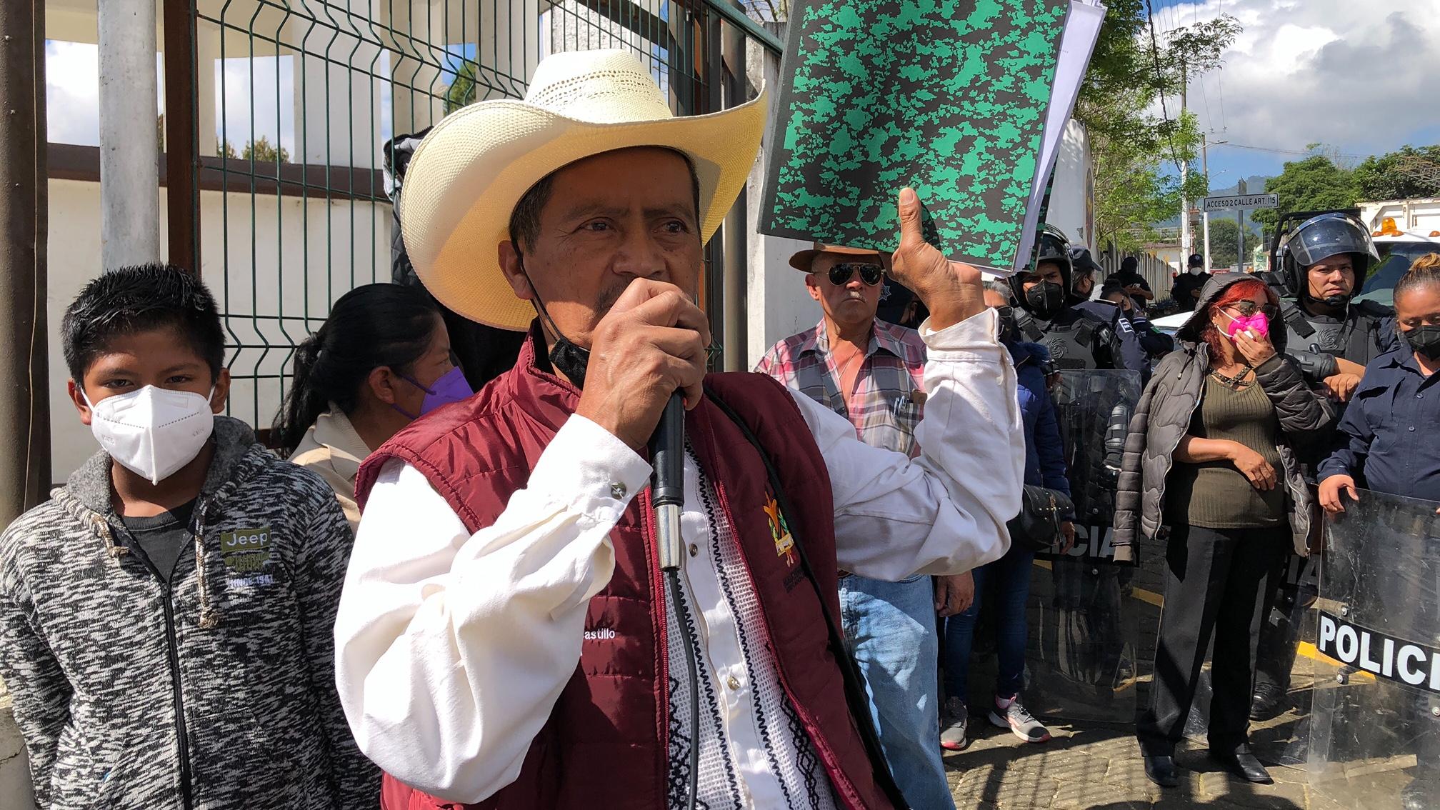 Increpan a edil de Huauchinango en su tercer informe de gobierno