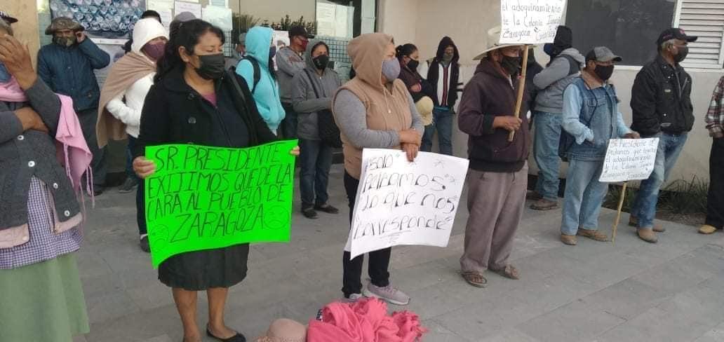 Pobladores se manifiestan contra el alcalde de Tlacotepec