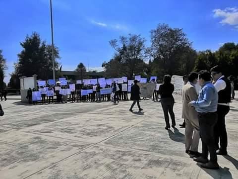 Alumnos de la UTH exigen a Angélica Alvarado seguridad en Huejotzingo