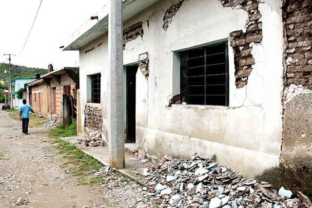 VIDEO AMLO en Puebla informa sobre el Programa Nacional de Reconstrucción