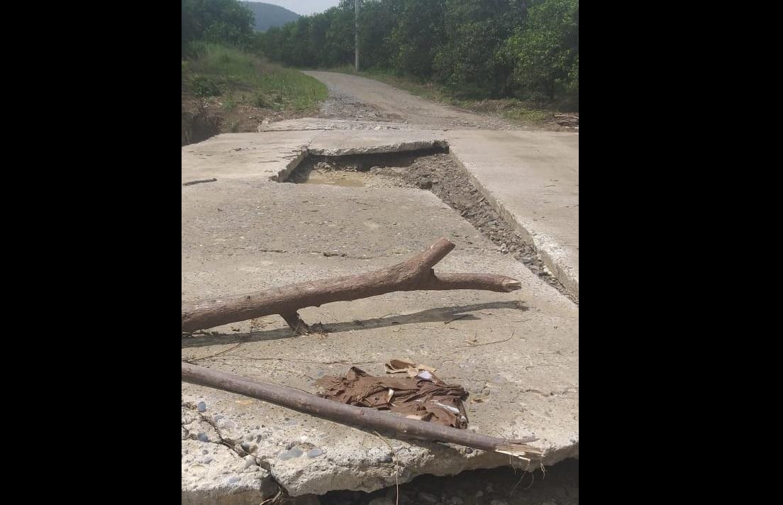 Grace dejó a punto de colapsar puente en Francisco Z Mena