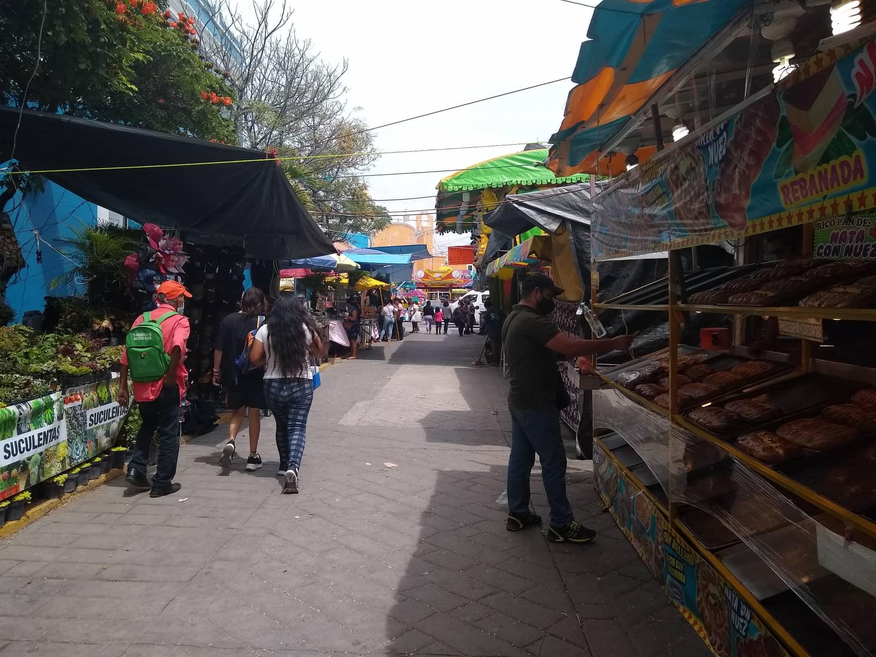 Permiten en Tehuacán que puestos de fiestas patrias continúen hasta el domingo