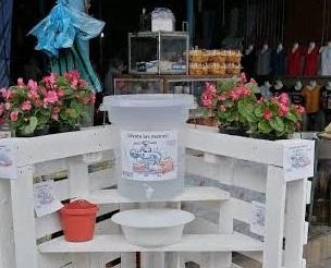 Con material reciclado arman lavamanos en tianguis de Tecamachalco